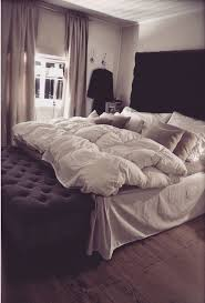 Good Down Comforters Best 25 Fluffy Comforter Ideas On Pinterest White Bed