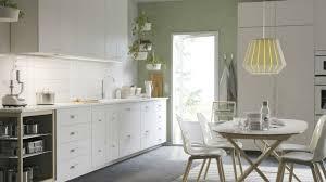 peinture verte cuisine une déco verte dans la cuisine