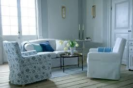 dessus de canapé ikea bemz des housses branchées pour vos vieux meubles ikea déconome