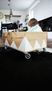 make this diy toy box