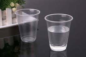 using disposable cups paper vs plastic what to choose for a