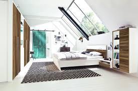 Schlafzimmer Streichen Farbe Schlafzimmer Modern Streichen 2017 Angenehm Auf Moderne Deko Ideen