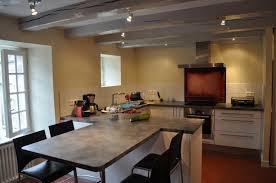 cuisine avec table table ilot centrale cuisine rutistica home solutions