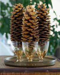 pine cone table decorations christmas crafts made with pine cones christmas table decorations