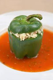 cuisiner des poivrons verts recette poivrons verts farcis au riz