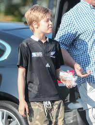 shiloh jolie pitt begining a treatment to change at 11 y o