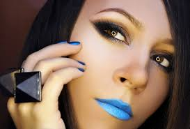 how to wear blue lipstick and blue nail polish bright