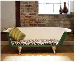 faire canapé un canapé fabriqué à partir dune baignoire recyclée a re use