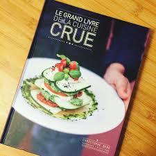 cuisine crue le grand livre de la cuisine crue des recettes végétaliennes