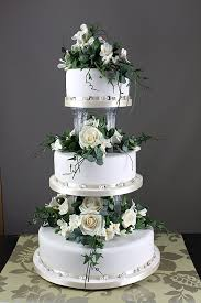 cake pillars the most beautiful wedding cakes wedding cake pillars uk