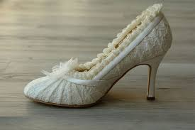 wedding shoes low wedges want to be a princess in your wedding day grab a pair of ivory