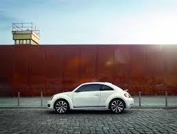 volkswagen bug white 2017 volkswagen beetle white exterior side carmagram