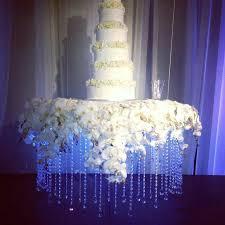 Best  Suspended Wedding Cake Ideas On Pinterest Logans Hours - Cake table designs