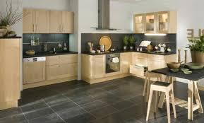 cuisine noir laqué plan de travail bois plan de travail noir brillant great cuisine blanche plan de travail