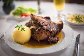 cuisiner des pieds de cochon recette petits croustillants de pieds de cochon