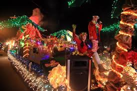 christmas light parade floats the day niantic light parade news from southeastern connecticut