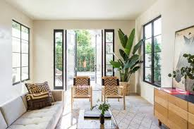 10 ways to decorate with the banana leaf trend