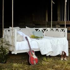 canap suspendu canapé et lit suspendu pour décoration de terrasse et jardin ideeco