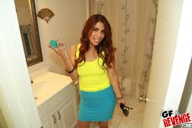 Gf Revenge Bathroom Isabella Bathroom Selfies Gf Revenge Hotty Stop
