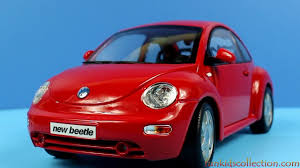 volkswagen maisto volkswagen new beetle red die cast model 1 18 maisto