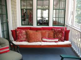 cottage daybeds hammocks and sitting spots hgtv