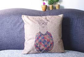 cuscino massaggiatore camicia a quadri cornice nera una capra emoji cuscino