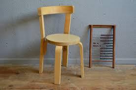 chaise enfant bois chaise enfant clervie l atelier lurette rénovation de