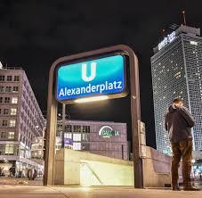 Wohnzimmer Kino Berlin Berlin Alexanderplatz Sechs Verletzte Bei Messerstecherei