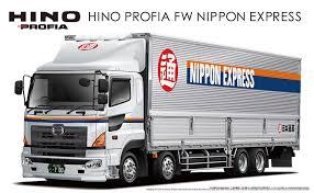 amazon com aoshima models 1 32 hino profia 4 axel heavy freight