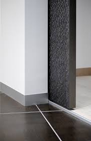detail of the syntesis line pocket door no architraves or jambs