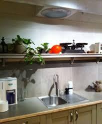 tablette murale cuisine étagères de cuisine en pin le du bois