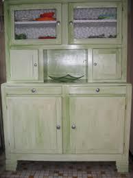 repeindre des meubles de cuisine en stratifié renover un vieux meuble en séduisant comment peindre un vieux meuble
