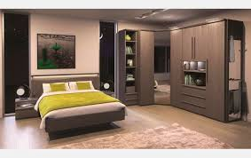 placard d angle chambre armoires d angle pluriel meubles célio design chambre