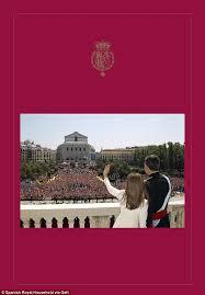 king felipe and queen letizia unveil festive missive daily mail