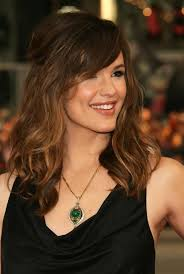 long hairstyles with bangs for women over 40 jennifer garner hairstyle layered long wavy hairstyle with side