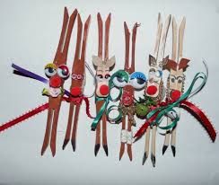 easy clothespin reindeer ornaments a craft to do with