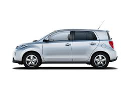 tomica toyota estima toyota yaris 4 door hatchback cute small yummo problem if i