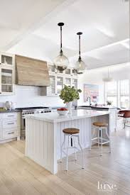 Coastal Kitchen Designs by Best 25 Small White Kitchen With Island Ideas On Pinterest