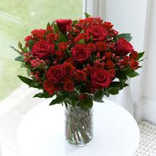 Table Flowers by A Beautiful Red Rose Display For Your Wedding Table Flower