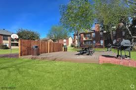 Backyard Bbq Arlington Bardin Oaks Rentals Arlington Tx Apartments Com