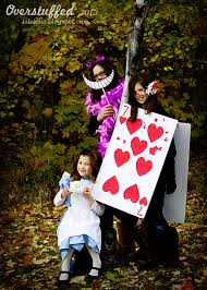 Halloween Costumes Pregnant Couples 21 Freakishly Fun Couples Family Halloween Costumes