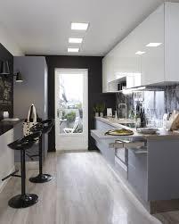 decorer cuisine toute blanche cuisine cuisine blanc beige naturel gris argent delinia