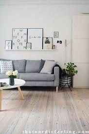étagère derrière canapé ce canapé cette table basse ce parquet accents