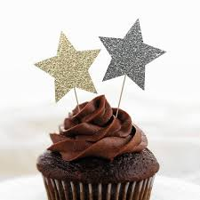 New Years Eve Cupcake Decorations by 180 Best Cupcakes U003c3 Images On Pinterest Glitter Cupcakes Star