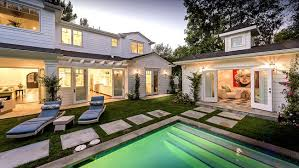 Cape Code Style House Elegant Cape Cod Style In Studio City La Times