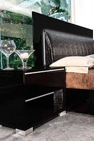 Italian Modern Bedroom Furniture Made In Italy Leather Modern Bedroom Sets Feat Lighting Seattle