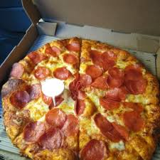 round table pizza folsom blvd round table pizza order food online 27 photos 54 reviews
