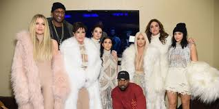 how to really keep up with the kardashians your complete guide to