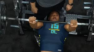 Bench Press 1000 Lbs Watch Potential No 1 Pick Myles Garrett Put Up 33 Reps On The