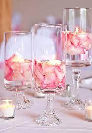 Schlafzimmer Dekorieren F Hochzeitsnacht Hochzeit Deko Ideen Weinglaeser Schwimmkerzen Rosen